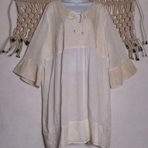 Suzanne Betro white eyelet lace bellsleeve dress